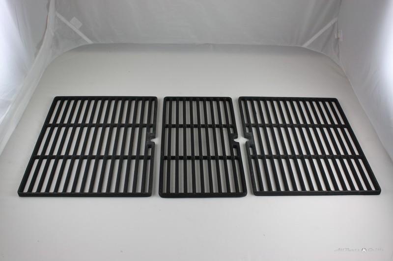 "14-15/16"" x 31-3/4"" Original C.I. Cook Grid (3)"